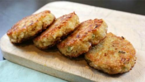 How to make Quinoa Patties #vegetarian #quinoa