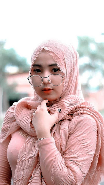 22 Beautiful and Prettiest Girl Hijab Wallpapers HD 4K for Android and iPhone   Gambar Wallpaper Cewek Cantik Hijaber