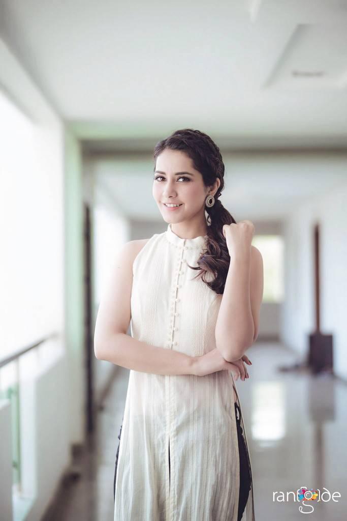 Telugu Model Rashi Khanna Photo Shoot In White Sleeveless Dress