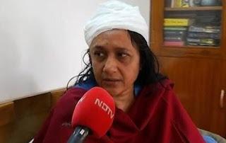 Hindu Professor Sucharrira Sen injured in JNU attack by Hindu extremists.