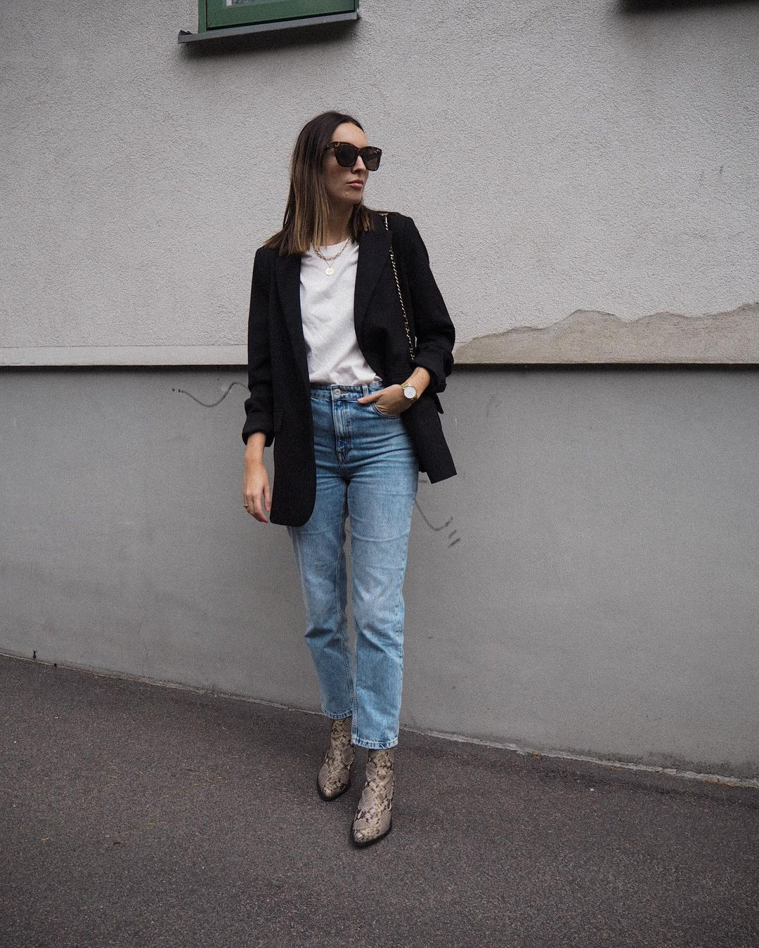 This Casual-Chic Outfit Checks All the Boxes for Fall