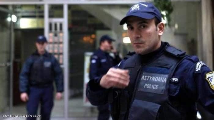الشرطة اليونانية - تحتجز مسؤولا في القنصلية التركية بتهمة التجسس