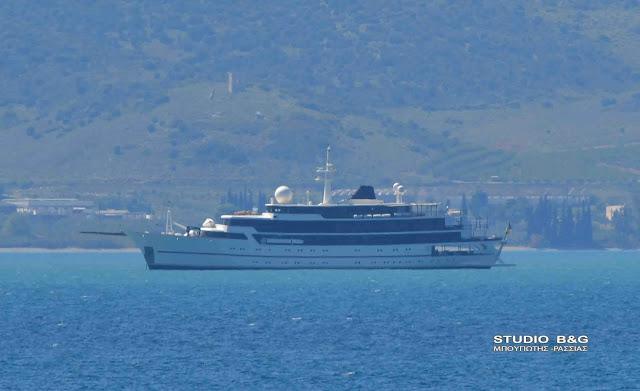 Τουριστικό πλοίο ανοιχτά του Ναυπλίου προκάλεσε ανησυχία σε λιμενικό και πολίτες