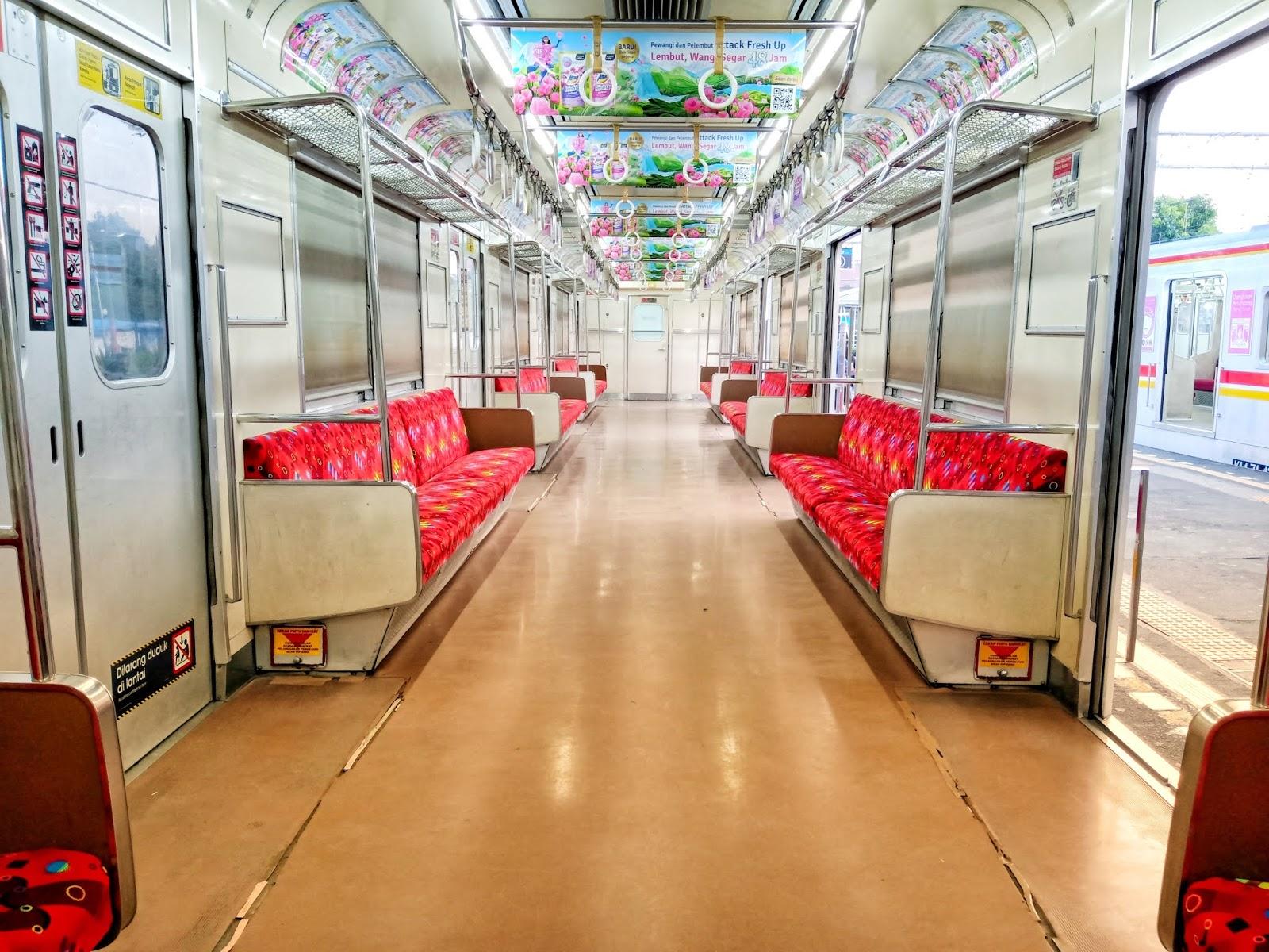 KRL Commuter Line Transportasi Indonesia yang Unggul dan
