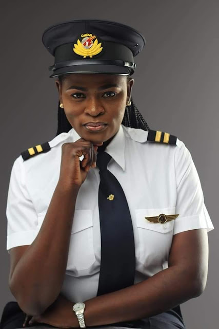 Meet Adeola Ogunmola Sowemimo, the first Nigerian female Pilot to work for Qatar Airways, and also the first to fly the Boeing 787 Dreamliner.