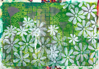 using stencils to make flowers on Jenny's garden of daisies art journal page step-by-step tutorial