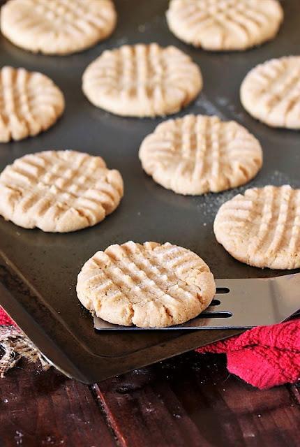 4-Ingredient Flourless Peanut Butter Cookies on Baking Sheet Image