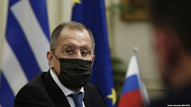 Lavrov annulla la visita nei Balcani dopo aver contattato una persona infetta da COVID-19