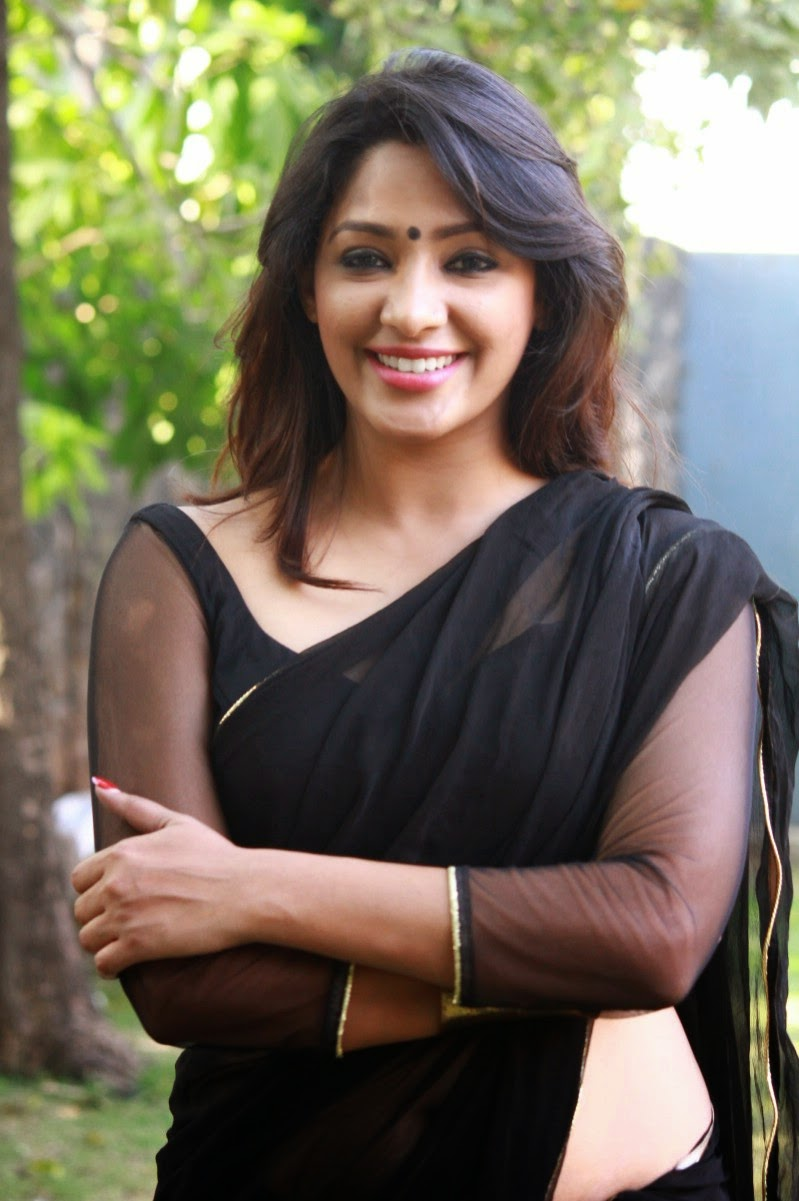 south indian actress wallpapers in hd: actress in black saree stills