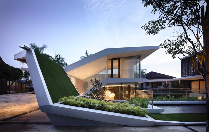 Green roof on Impressive dream home in Singapore by a-dlab
