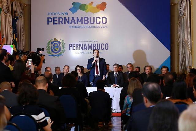 Paulo Câmara lança versão digital do Programa Todos por Pernambuco