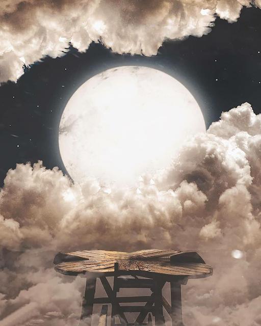Danish zehen moon background