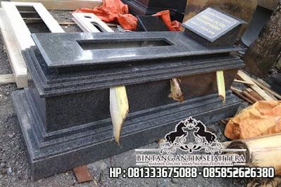 Contoh Makam Granit