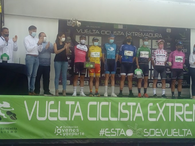 Miki Valls ganó las metas volantes de Vuelta a Extremadura