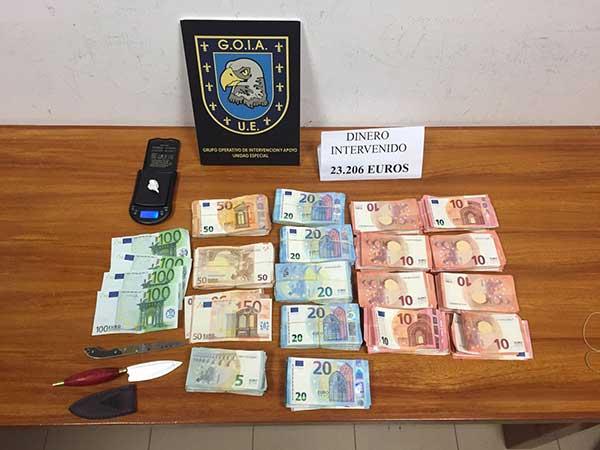 Tres miembros de una familia detenidos por tráfico de drogas en el barrio de Ladera Alta, Las Palmas de Gran Canaria
