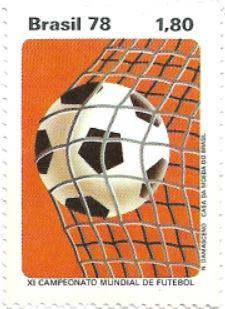 Bola de futebol na rede