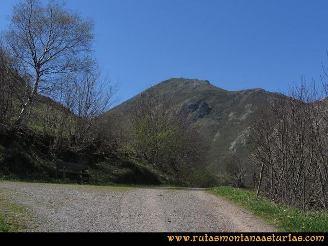 Ruta Ardisana, pico Hibeo: Pista hacia el Hibeo