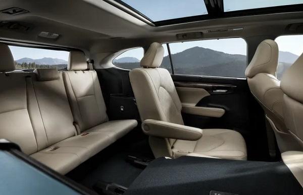 Tempat duduk Toyota Highlander