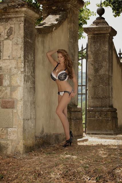 sexiest-Jordan-Carver-Fairy-Tale-hot-photo-shoot-picture-13