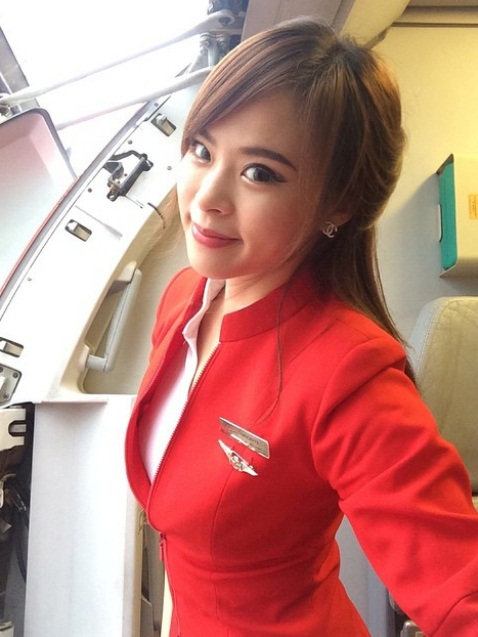 Pretty Asian Women: Malaysian AirAsia Flight Attendant | 478 x 637 jpeg 83kB