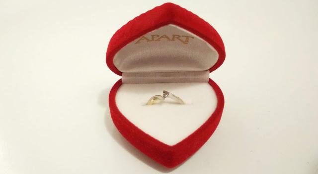 Wypadł diament z pierścionka