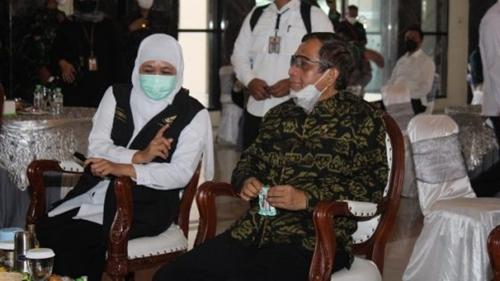 Temui Kiai Bangkalan, Mahfud MD Minta Warga Percaya Covid-19 Ada