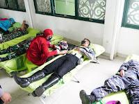 Dalam Rangka HUT TNI Ke-76, TNI & Polresta Samarinda Laksanakan Kegiatan Kemanusiaan Donor Darah