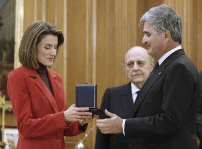 La Princesa de Asturias, Doña Letizia , recibe lazo de dama protectora en el palacio de la Zarzuela