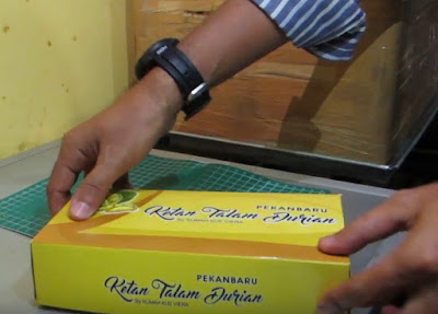 kue talam durian Top Kuliner Riau Paling Populer
