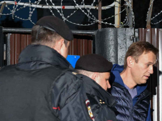 Russian opposition leader Alexei Navalny detained on release from prison