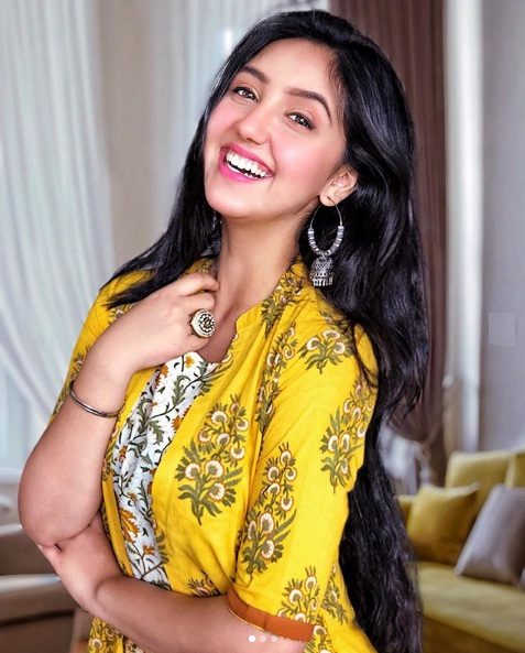 Ashnoor Kaur Age, Height, Boyfriend, Career, Family, Wiki, Biography and More - Stars Biowiki
