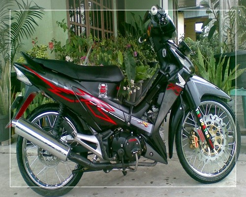 Gambar Modifikasi Supra X 125 Fi Simple Standar Thailook Road Race Velg Jari Jari Injection