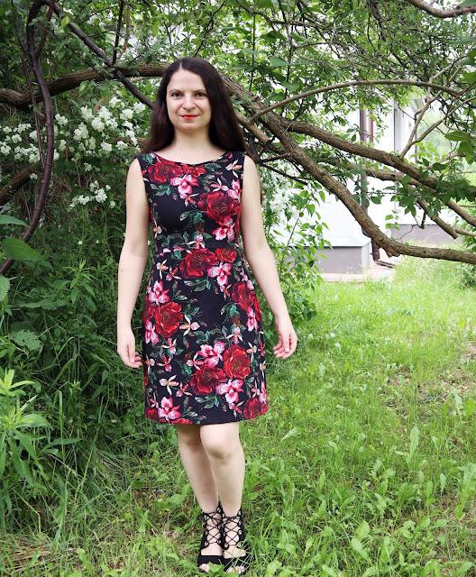 Klasyka gatunku, sukienka w kwiaty na lato:)