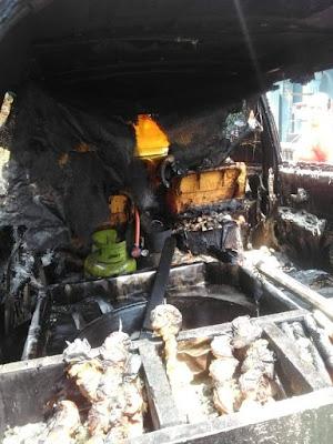 Mobil Avanza terbakar karena jualan tahu bulat