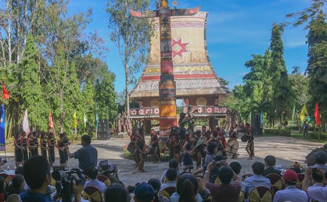 Phục dựng lễ cầu an của người Rơ Ngao (Ba Na)