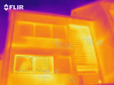 Wärmebildaufnahme eines Hauses