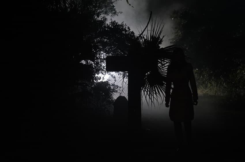 Появились первые кадры фильма ужасов Offseason от RLJE Films и Shudder - премьера в 2022 году - 09