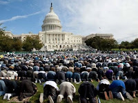 Allahu Akbar. Menurut Penelitian Islam Akan Jadi Agama Terbesar di Amerika. Bagikan Kabar Ini Sahabat Semua