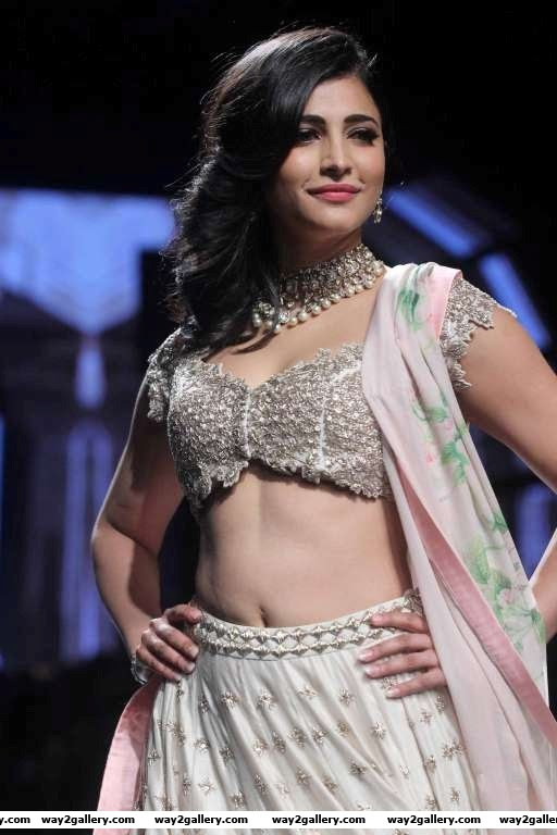 Shruti Haasan made heads turn during Anushree Reddys show at Lakme Fashion Week SummerResort