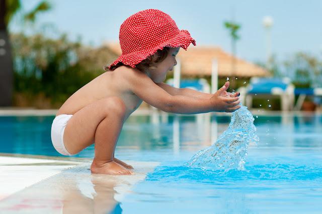 Váš bazén s ovládacím softvérom, s dotykovou obrazovkou s pripojením do.