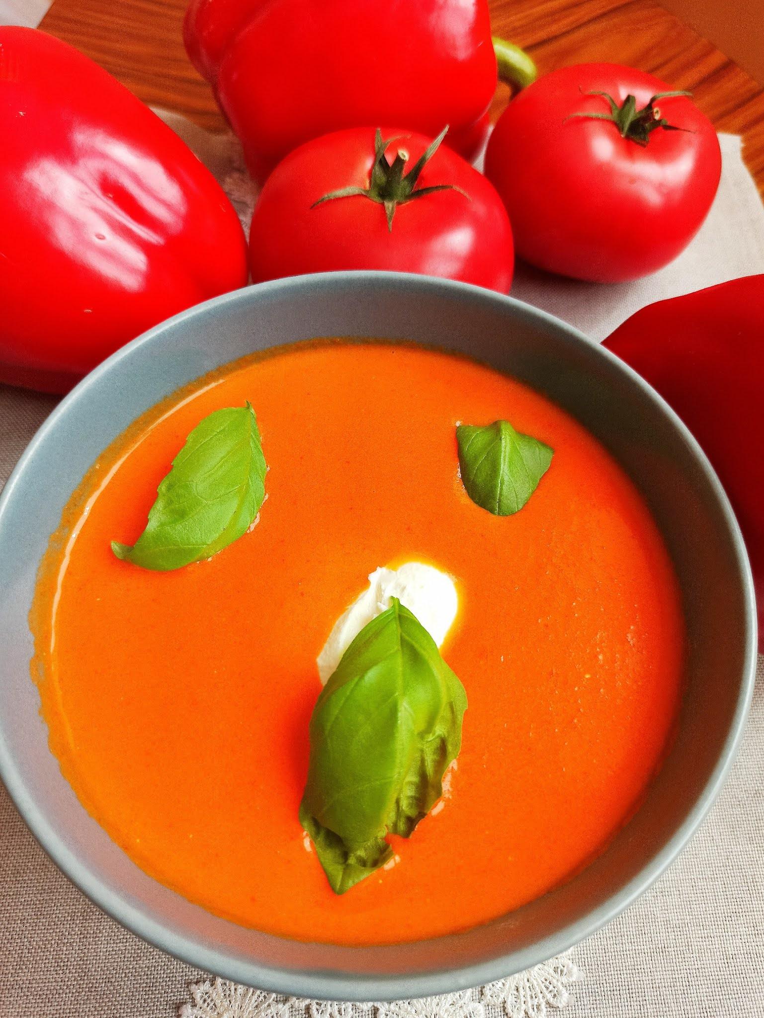 Zupa krem z papryki i pomidorów