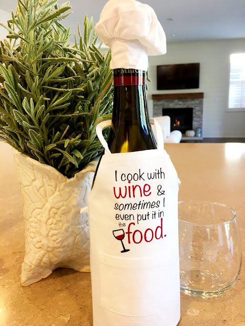blanks, heat transfer vinyl, htv, wine bottle aprons, christmas blanks