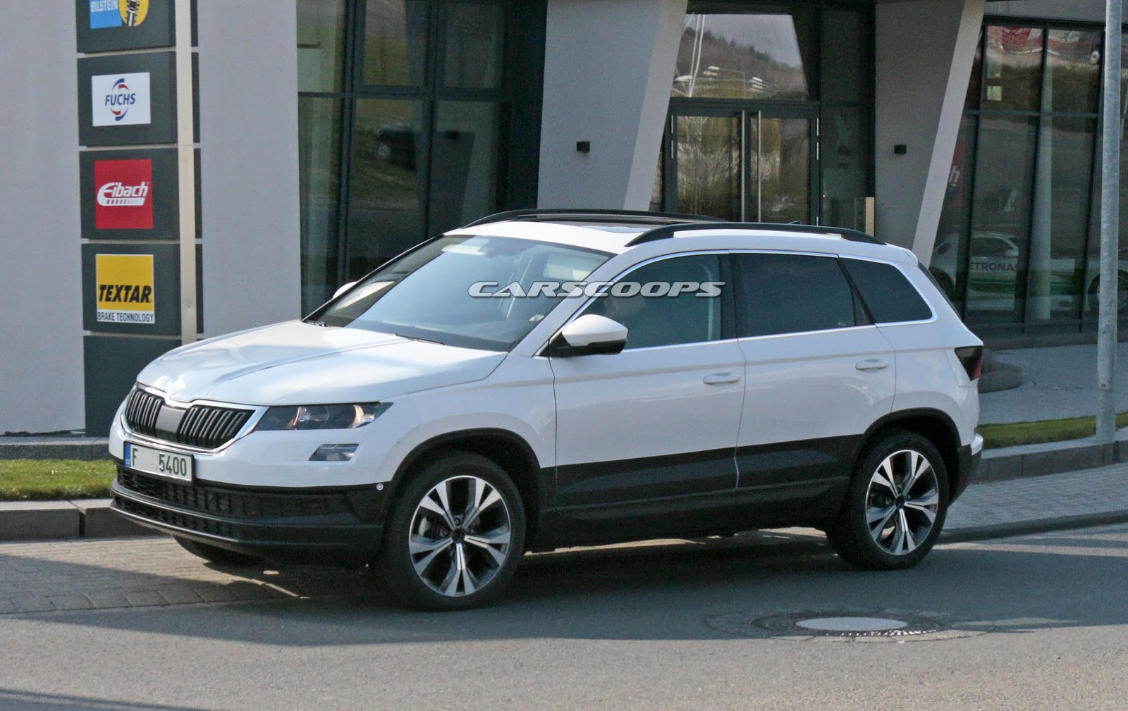 skoda 39 s new compact suv named karoq debuts on may 18 carscoops. Black Bedroom Furniture Sets. Home Design Ideas
