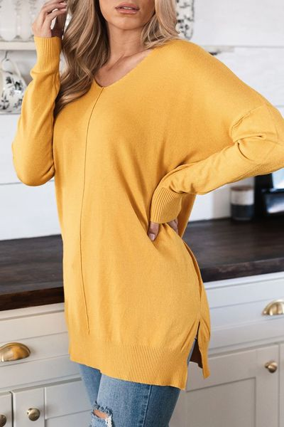 Are you wondering which pieces of clothing are in style this winter? Here we've prepared a complete list of the best winter fashion lookbook. Women's Outfit Ideas via higiggle.com | #winterstyle #fashion #cardigan #sweater