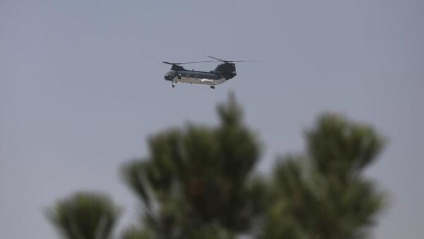 Taliban Merangsek ke Kabul, Diplomat AS Dievakuasi Pakai Heli!