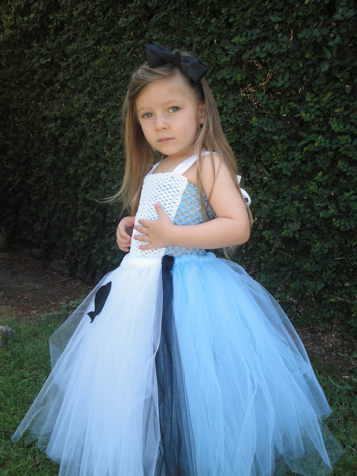 ~~~~Welcome to Hollywoodtutu~~~ This adorable handmade Alice in wonderland tutu dress costume is perfect ...  sc 1 st  Hollywoodtutu dresses & Hollywoodtutu dresses: Alice in wonderland costume