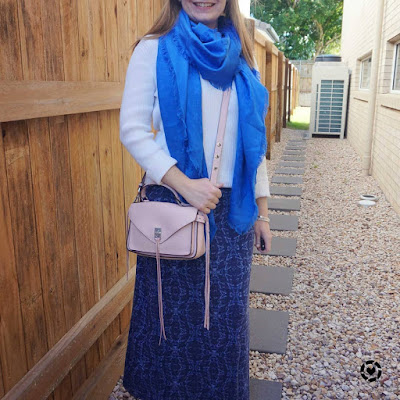 awayfromtheblue Instagram | layering blue printed maxi dress with white ribbed skiny, cobalt louis vuitton scarf and pink crossbody bag