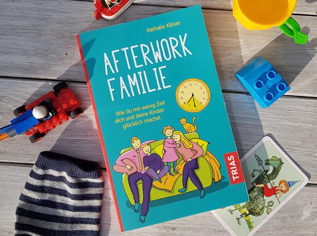 """Rituale, Routinen und richtig viel Humor: Nathalie Klüvers neues Buch """"Afterwork Familie"""". Ein humorvoller Familien-Ratgeber!"""