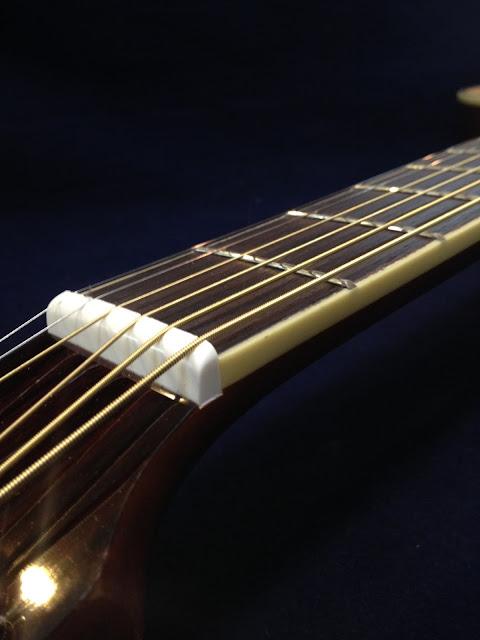 弾き易い アコギ 弦高 低い