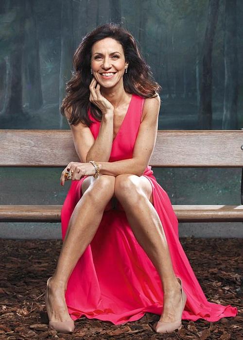 Celebrities with endometriosis: Julia Bradbury | EMLWY